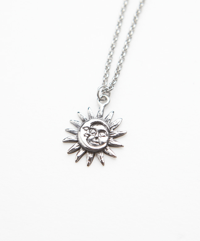 SURGICAL STEEL SUN&MOON NECKLACE