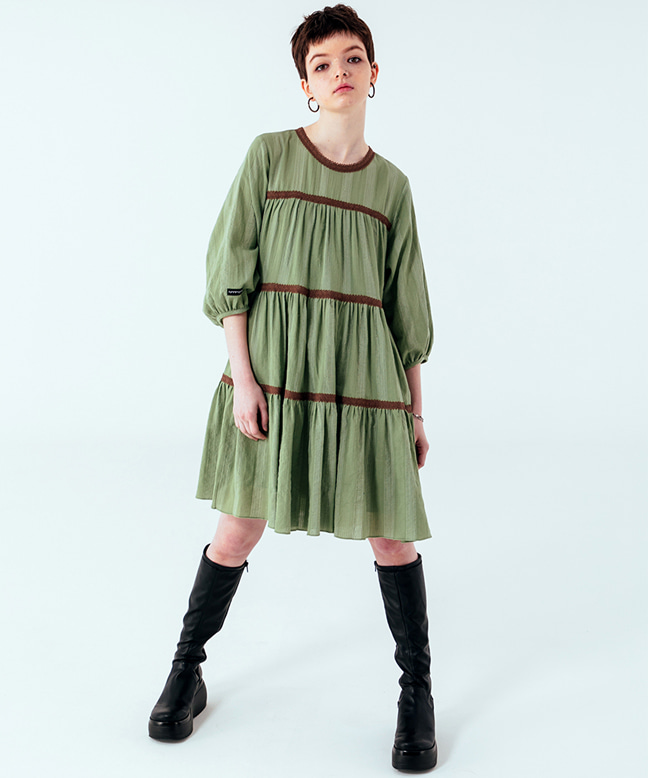 LACE POINT FLARE DRESS [GREEN]