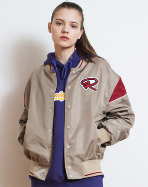 OVERSIZED R LOGO STADIUM JACKET [BEIGE]