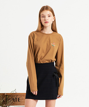 ROSE EMBROIDERY LONG SLEEVE TEE [BEIGE]