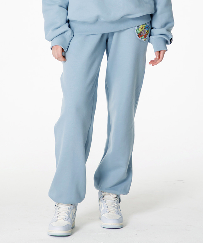 FLOWER LOGO SWEAT PANTS [SKY BLUE]