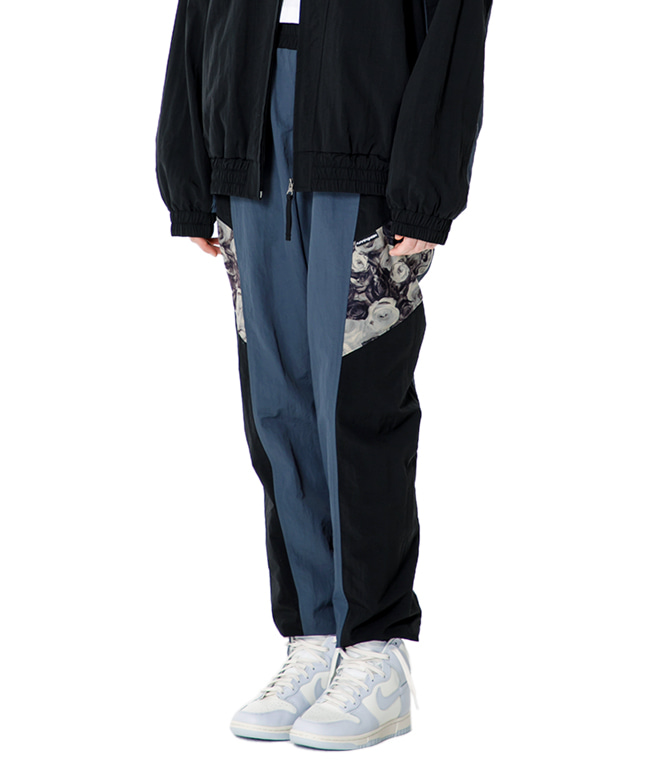 FLOWER POINT RETRO TRACK PANTS [BLACK]