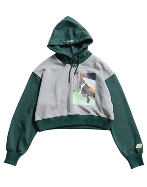 LONELY CAT PICTURE PRINTING CROP HOODIE [GREEN]