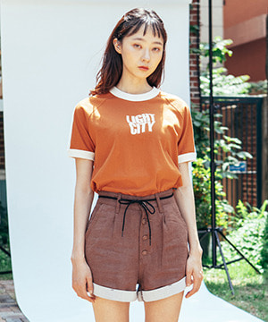 ROLL-UP LINEN HALF PANTS [BROWN]