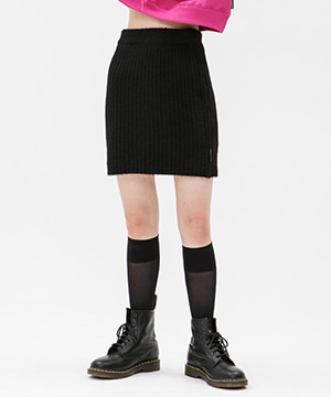 KNITTED SLIM MINI SKIRT [BLACK]