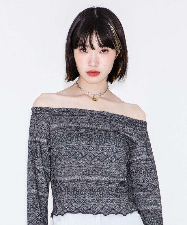 OFF SHOULDER WAVY LACE TOP  [CHARCOAL]
